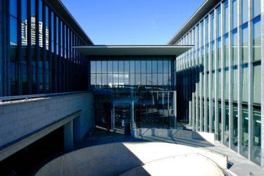 見事なまでの建築美。兵庫県立美術館で撮影してきた!