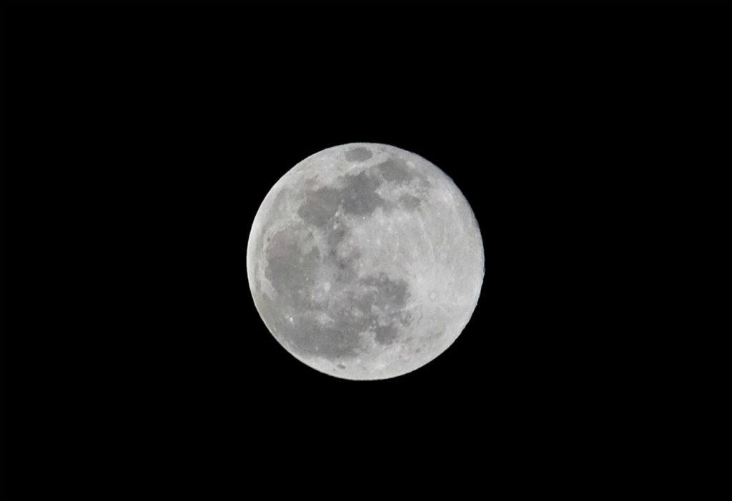 満月 スノームーン