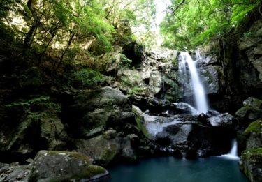 【淡路島】ホタルが飛び交うスポット『鮎屋の滝』