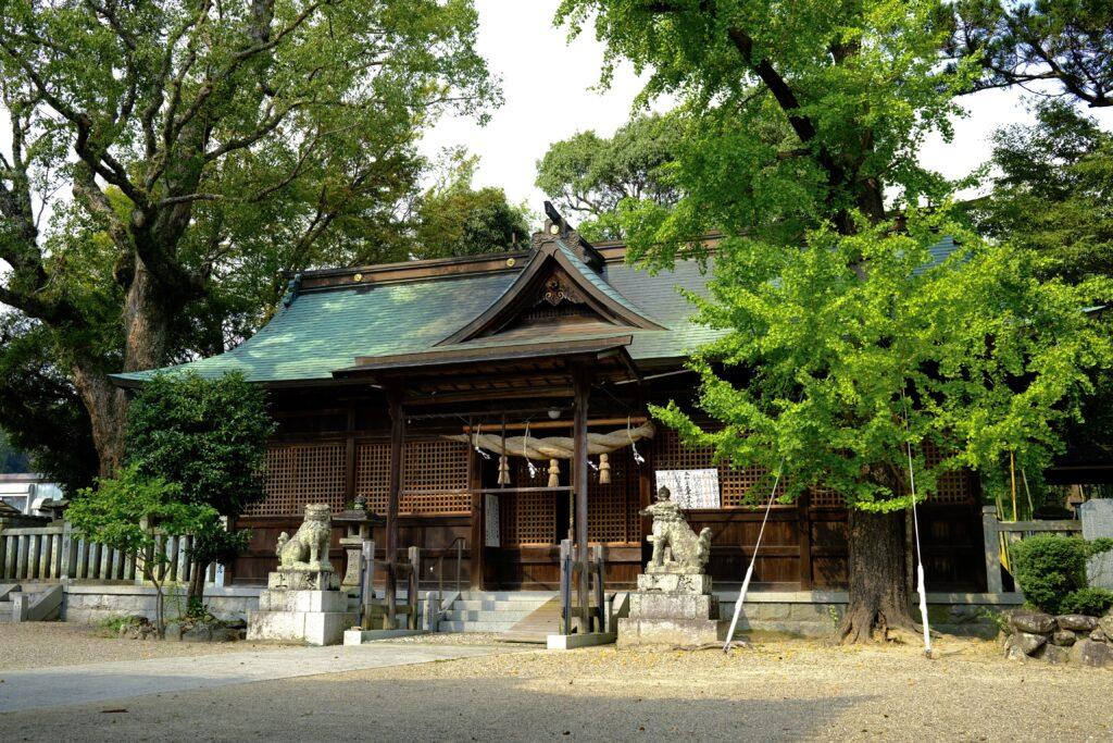 御坂神社本殿